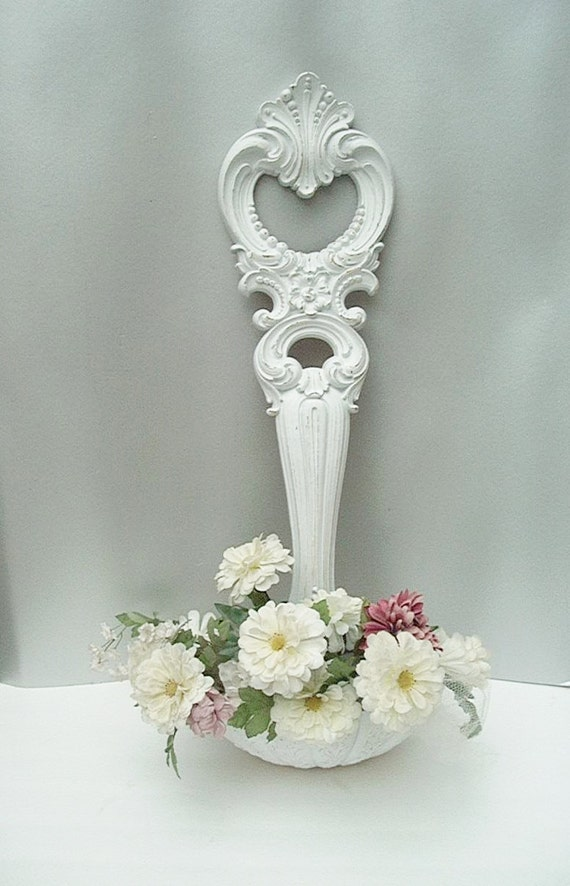 TAKE 50% OFF//Vintage Ornate Syroco Ladle Planter Wall Sconce Wall Pocket Shabby Distressed White