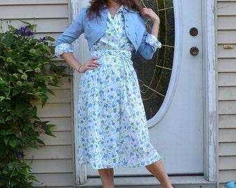70's Wrap Dress Shirtwaist / does 40's Periwinkle Lavender Print Vintage Dress / Lanz Originals