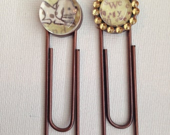 Set of two paperclip style bookmarks with puppy