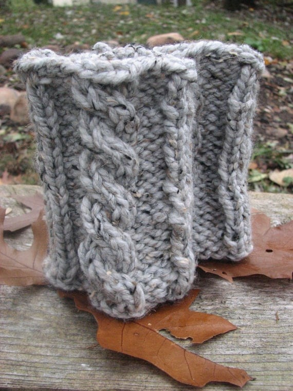 Super Chunky Knitting Patterns : KNITTING PATTERN: Super chunky boot cuffs with cable.Easy
