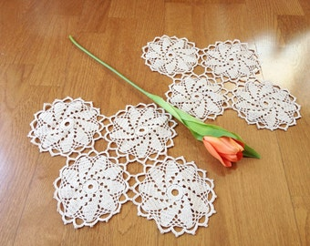 Vintage doilies/ set of 2/ handmade ecru crochet lace/ 60s/ crafts
