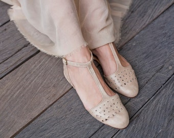 MOZAIC. Womens shoes / leather shoes / ballet flats / pointy flats / pointy toe shoes / wedding shoes. Available in different leather colors