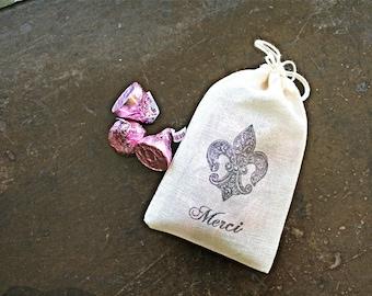 Wedding favor bags, set of 50 drawstring cotton bags, Fleur de lis, Merci script, French wedding, bridal shower favor bag, party favor bag