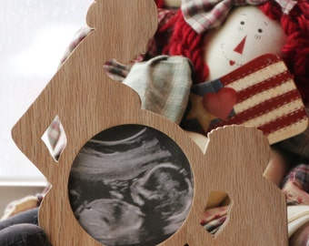 First Photo Ultrasound Sonogram Wood Picture FRAME Silhouette Baby bump Couple Expectant mother Father photo display Keepsake