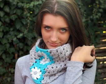 Crochet PATTERN woman neckwarmer, women cowl  granny squares flowers, loop scarf, DIY tutorial - Quick and easy gift