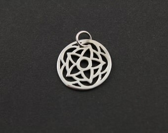 Sterling Silver Carved-Out Flower Charm / Pendant with Jump Ring, Elegant Jewelry Component, (SS/CH4/CR81)