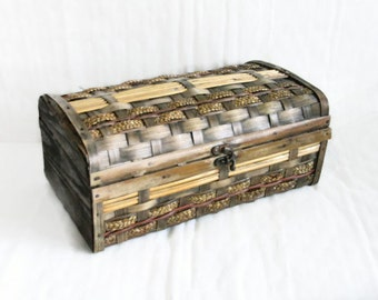 Woven slat chest, vintage sock box, splint, metal latch, double hinged, trinket container, storage, organizer, home decor, keepsake