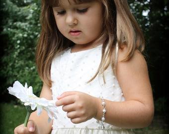 Flower Girl Bracelet - Girls Charm Bracelet - Flower Girl Gift - Ivory Pearl Bracelet - Wedding Party Jewelry - Junior Bride Bracelet