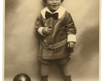 Nice 1920s Portrait of a Child