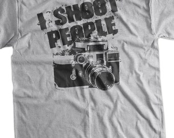 Funny Geek Gifts for Photographers Photography Film Camera I Shoot People Retro T-Shirt Tee Shirt T Shirt Mens Ladies Womens Youth Kids