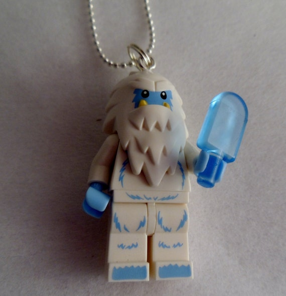how to make a lego figure necklace