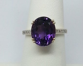 4.53ctw Uruguayan Amethyst & White Sapphire Solid Yellow Gold Ring