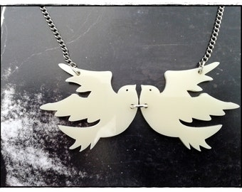 Twin Doves by OoNaNA