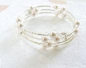 White Pearl Memory Wire Bracelet, Pearl Bracelet, Memory Wire  Bracelet, Bridal Jewelry, Wedding Jewelry