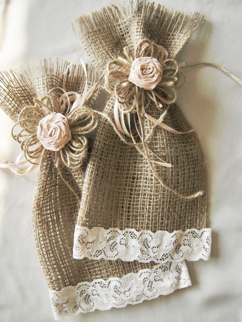 Wedding Gift Bags Burlap : Set of 12 Burlap Wedding Favor Bags Christmas by HenrietteRenee