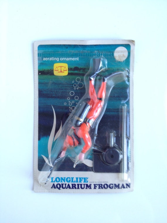 Vintage aquarium decoration frogman aerating ornament for Aquarium scuba diver decoration