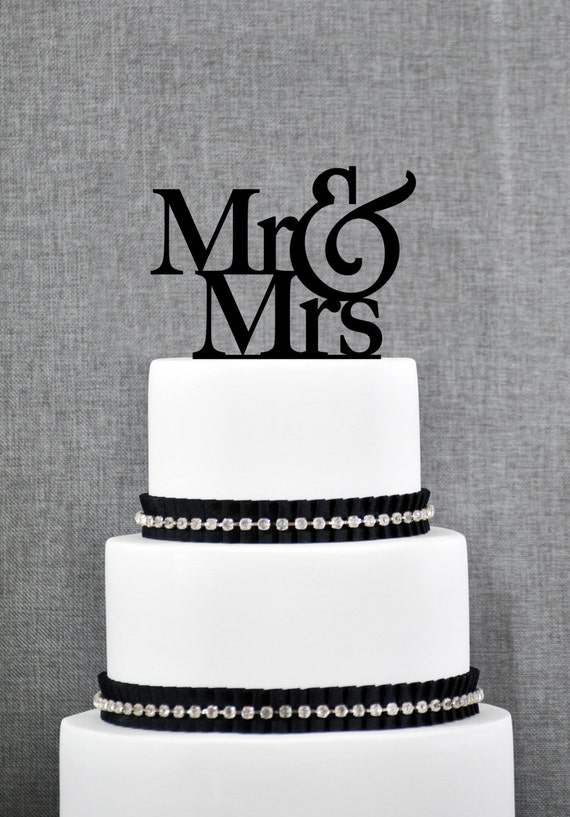 Mr and Mrs Wedding Cake Toppers, Elegant Traditional Topper, Customizable Ampersand with Mr and Mrs with Choice of Color and Glitter (T001)