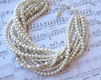 Pearl Bridal Necklace Chunky Wedding Necklace Statement Bridal Jewelry Pearl and Rhinestone Wedding Necklace Chunky Pearl Statement Necklace