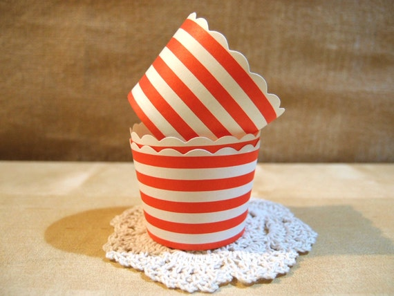 CLEARANCE SALE Red and White Circular Striped Baking Cups