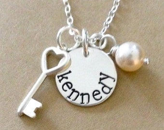 Mommy Necklace - Personalized Jewelry - Sterling Silver Hand Stamped Jewelry - Small Disc With Keys