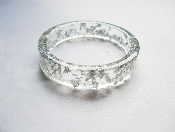 https://www.etsy.com/listing/173482629/elegant-silver-flakes-clear-resin-bangle