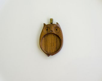 Original Design Artisanal Woodwork Pendant Tray - 25.5 mm - Brass Bail - (O225-W)