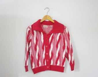 CLEARANCE vintage 60s Ladies Button Down Cardigan Sweater Raspberry Pink Helix Pattern Acrylic S M