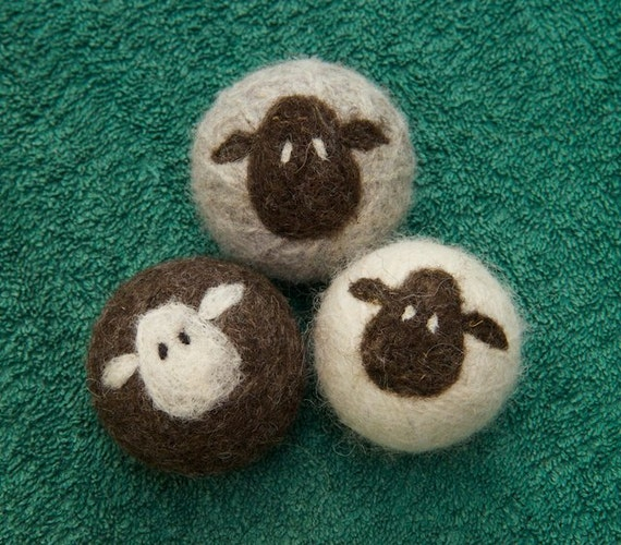 Lynn's Lids felted wool dryer balls