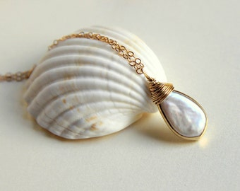 Freshwater pearl with a gold vermeil bezel wire wrapped briolette pendant gold filled necklace