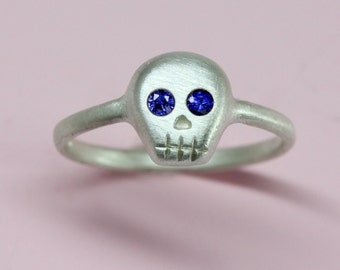 Blue sapphires eyed Skull Ring in sterling silver, Sapphire ring, fine jewelry gift for her
