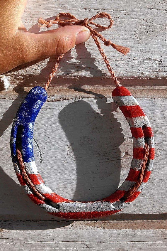Items similar to horseshoe wall decor on etsy for How to decorate horseshoes