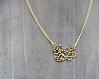 Flower Outline Necklace in Gold Plated /  Simple Flower Necklace
