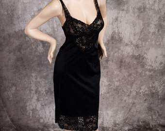 Vintage Vanity Fair Full Slip Black Lingerie Pretty Lace Size Small 34