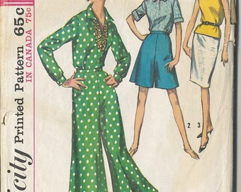 Vintage Simplicity 5975. 1965. Blouse, Skirt, Culottes. Mad Men style. Siza 12, Bust 32. Reduced Shipping.