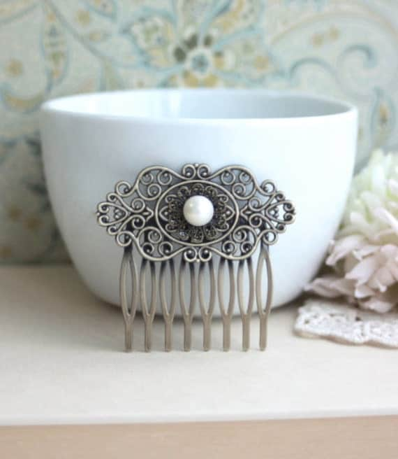 Pearl Wedding Comb, Fresh Water Button Pearl Vintage Style Antiqued Brass Hair Comb. Pearl Wedding Hair Piece. Bridesmaids Gift, Victorian