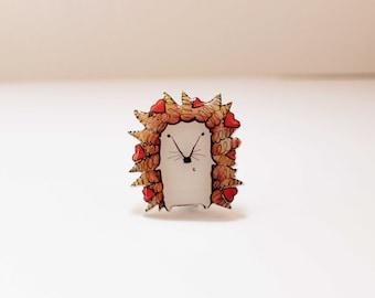 Free shipping Hedgehog brooch pin Hedgehog jewelry Animal brooch pin Hedgehog  with hearts (0057)