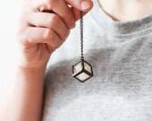 Terrarium necklace. Real flowers necklace. Dry flowers necklace. Baby breath necklace. Baby breath pendant. Hanging terrarium