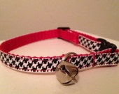 Alabama Black and White Houndstooth on Red Nylon Cat Collar