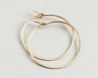 Lisse Hoops - small hammered satin finish 14K goldfilled hoop earrings