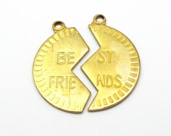 Brass Best Friends Circle Pendants (4X) (V303-A)