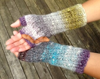 KNITTING PATTERN: Travellers Mitts, Fingerless Gloves, Knitting Pattern Instant Download