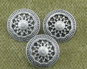 Ornate Retro Spoked Wheel Button -- bicycle, motorcycle, car    D25