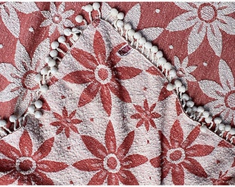 Reversible Flower Blanket w/ Pom-Poms - Vintage Cotton Bedspread - Stevens Spreads - Pink - Lighweight