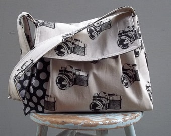 Camera Bag LARGE Purse Large Adjustable Strap Hard Bottom Padded Five Pockets