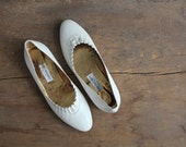 SALE / cream leather flats / white ballet flats / vintage ballet flats 7.5 8