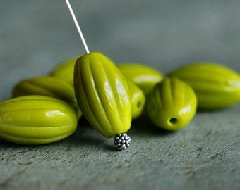 Olive Czech Glass Bead Fluted Long Oval 14mm Melon : 12 pc Olive Oval Melon
