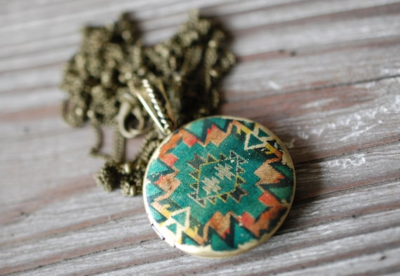 Vintage Inspired Southwestern Print Locket with custom quote inside