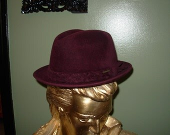 Imperial Stetson Stacy Burgundy Velour Size 7