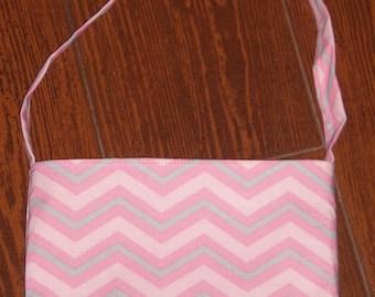 pink and grey chevron/zig zag toddler purse