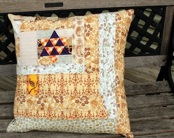 Quilted Patchwork Pillow - Lone Star and Lonely Bird in beige